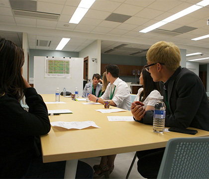 Students work on case studies at the 2015 OHLE. Photo by WCVM Today.